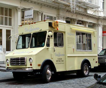http://www.snackish.com/wp-content/uploads/2008/08/van_leeuwen_ice_cream_truck.jpg