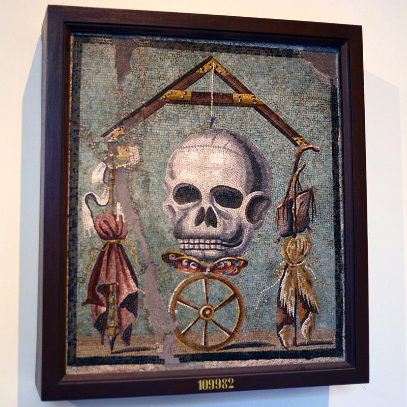 pompeii art skull